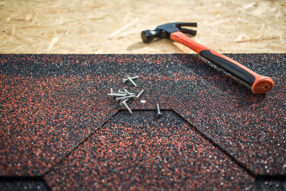 Choosing the Right Shingle Color for Your Woodlands Roof