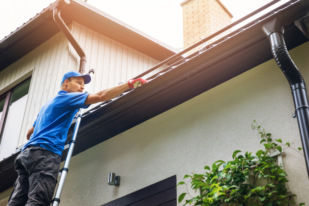 5 Gutter Cleaning Tips